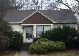 Pre Foreclosure in Bettendorf 52722 BROWN ST - Property ID: 1280991324