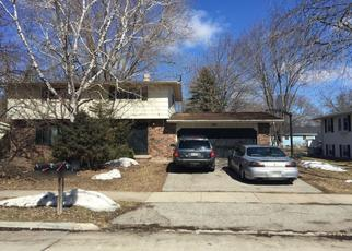 Pre Foreclosure in Oshkosh 54901 W GRUENWALD AVE - Property ID: 1282745408