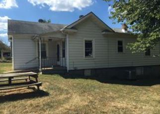 Pre Foreclosure in Gordonsville 22942 STONEWALL AVE - Property ID: 1283065120