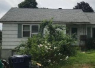Pre Foreclosure in Dracut 01826 STANLEY AVE - Property ID: 1283093605