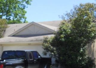 Pre Foreclosure in Grand Prairie 75052 LEWIS TRL - Property ID: 1283289823