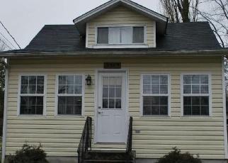 Pre Foreclosure in Chesapeake Beach 20732 OLD BAYSIDE RD - Property ID: 1285909328