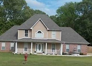 Pre Foreclosure in Olive Branch 38654 INGRAM CV - Property ID: 1286140137