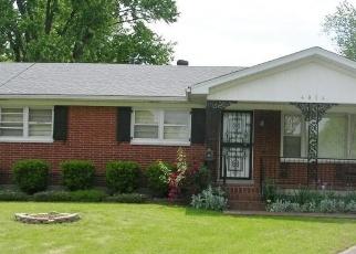Pre Foreclosure in Louisville 40216 ROCKAWAY CIR - Property ID: 1286927176