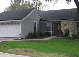 Pre Foreclosure in Jacksonville 32244 CHIMNEY OAK DR - Property ID: 1287077860