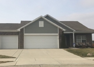 Pre Foreclosure in Greenfield 46140 BOBTAIL DR - Property ID: 1287218440