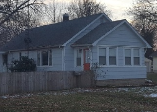 Pre Foreclosure in Taylorville 62568 W PRAIRIE ST - Property ID: 1287443107