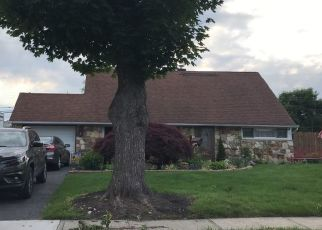 Pre Foreclosure in Levittown 19055 JUNEWOOD DR - Property ID: 1288778956