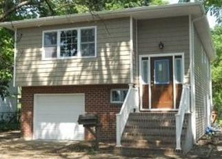 Pre Foreclosure in Bay Shore 11706 UDALL RD - Property ID: 1288889758