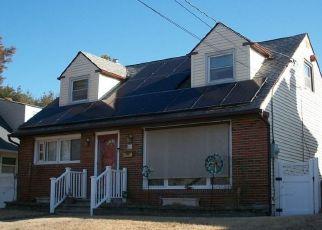 Pre Foreclosure in Woodbury 08096 HEMLOCK TER - Property ID: 1289730214