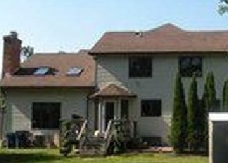 Pre Foreclosure in East Amherst 14051 RAMBLING RD - Property ID: 1290038555