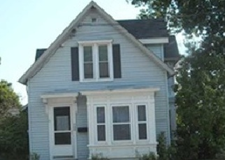 Pre Foreclosure in Pittsfield 04967 HARTLAND AVE - Property ID: 1291343723