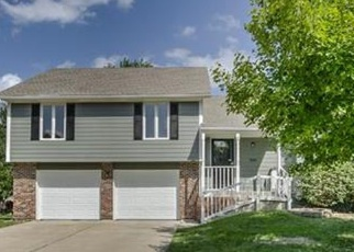Pre Foreclosure in Lees Summit 64082 SW BATTEN DR - Property ID: 1292324337