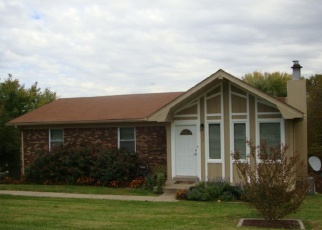 Pre Foreclosure in Radcliff 40160 N LOGSDON PKWY - Property ID: 1292621284