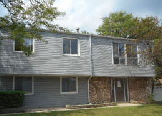 Pre Foreclosure in Elgin 60120 HIGHBURY DR - Property ID: 1292688289