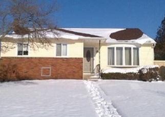 Pre Foreclosure in Islip Terrace 11752 BROOK CIR - Property ID: 1295098463