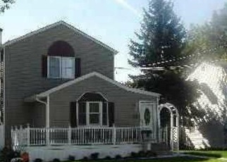 Pre Foreclosure in Bay Shore 11706 W BELMONT ST - Property ID: 1295103727