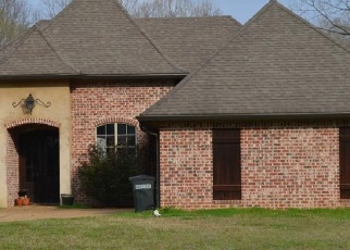 Pre Foreclosure in Vicksburg 39183 PEBBLE BEACH DR - Property ID: 1295312644