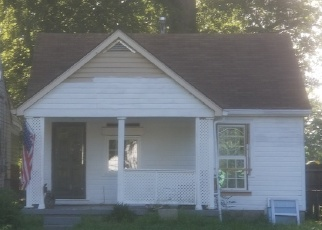 Pre Foreclosure in Louisville 40215 WARREN AVE - Property ID: 1295753231