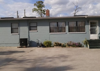 Pre Foreclosure in Jacksonville 32208 ESTES RD - Property ID: 1295894262