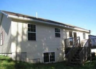 Pre Foreclosure in Lewiston 04240 HILLCREST AVE - Property ID: 1297507322