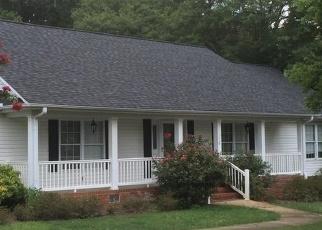 Pre Foreclosure in Greenville 29617 COVINGTON RD - Property ID: 1297990408