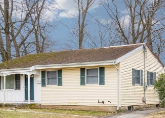 Pre Foreclosure in Huntington Station 11746 SEDGEWICK ST - Property ID: 1298963141