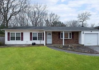 Pre Foreclosure in Patchogue 11772 TRACTION BLVD - Property ID: 1299039804