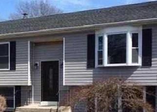 Pre Foreclosure in Shirley 11967 CONCORD RD - Property ID: 1299048559
