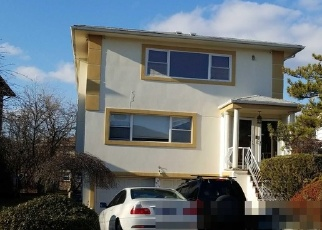 Pre Foreclosure in Bayside 11360 27TH AVE - Property ID: 1299056439