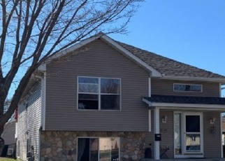 Pre Foreclosure in South Saint Paul 55075 8TH AVE S - Property ID: 1299300838