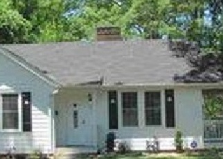 Pre Foreclosure in York 29745 SMITH ST - Property ID: 1300805265