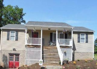 Pre Foreclosure in Appomattox 24522 OAKVILLE RD - Property ID: 1301107471
