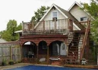 Pre Foreclosure in Evansville 47711 MAXWELL AVE - Property ID: 1301310694