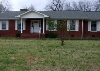 Pre Foreclosure in Greenwood 29646 WOODLAWN RD - Property ID: 1301959325