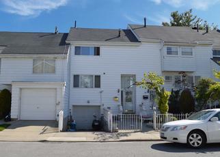 Pre Foreclosure in Staten Island 10312 DOVER GRN - Property ID: 1302310592