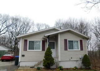 Pre Foreclosure in Providence 02904 BURTON ST - Property ID: 1302334680