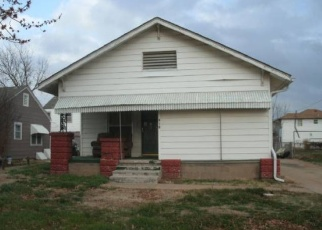Pre Foreclosure in Ponca City 74601 S LAKE ST - Property ID: 1303114259