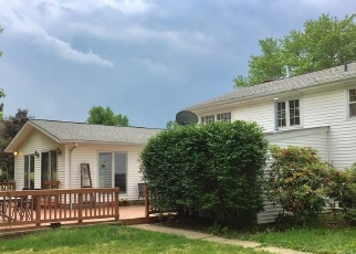 Pre Foreclosure in Orrville 44667 WADSWORTH RD - Property ID: 1303211501