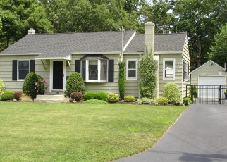 Pre Foreclosure in Bellport 11713 COUNTRY CLUB RD - Property ID: 1303420862