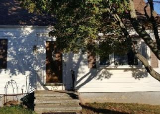 Pre Foreclosure in Hamden 06514 PINE ROCK AVE - Property ID: 1303491811