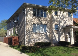 Pre Foreclosure in Lyons 60534 CENTER AVE - Property ID: 1304570981