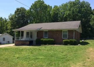 Pre Foreclosure in Fountain Inn 29644 REDMOND DR - Property ID: 1304839894