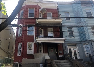Pre Foreclosure in Bronx 10457 E 181ST ST - Property ID: 1305699183