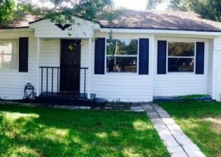 Pre Foreclosure in Tampa 33619 ORIENT RD - Property ID: 1305725467
