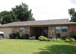 Pre Foreclosure in Ponca City 74601 HAMPTON DR - Property ID: 1307454593