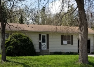 Pre Foreclosure in Owatonna 55060 MAPLE DR - Property ID: 1308138710