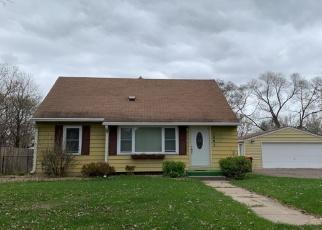 Pre Foreclosure in Saint Paul 55109 SKILLMAN AVE E - Property ID: 1308157993
