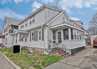 Pre Foreclosure in Taunton 02780 BAY ST - Property ID: 1308429971