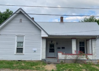 Pre Foreclosure in Harrodsburg 40330 S EAST ST - Property ID: 1308715965